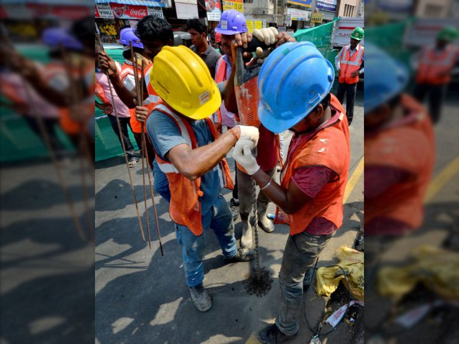 Chennai: Cracks appear on Anna Salai road; inspection clears patch safe
