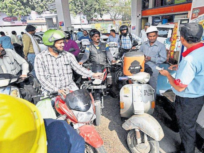 Petrol pumps may close on Sundays