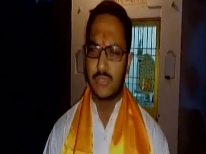 BJP youth wing leader offers Rs 11 lakh  bounty on Mamata's head