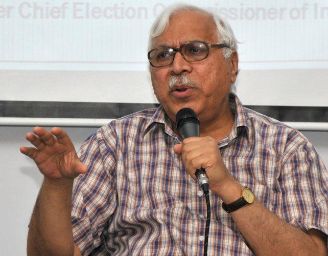 EC should be more vocal on defending EVMs: Quraishi