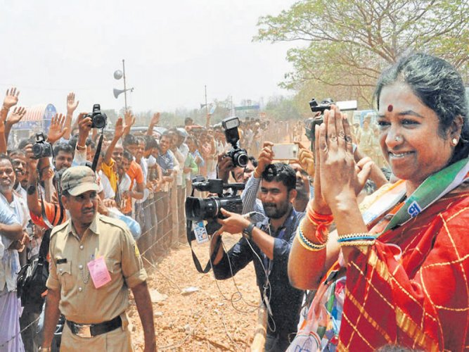 Riding on sympathy wave, Mohana Kumari scores thumping victory in Gundlupet