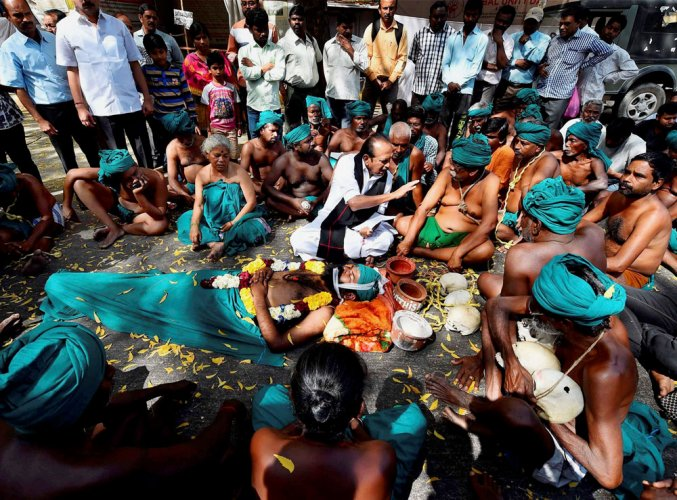 Silence is no answer, SC tells TN on farmer suicides