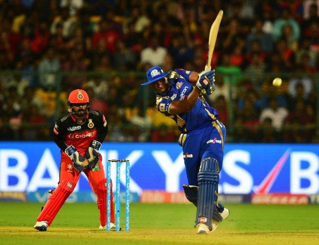 Pollard scripts dramatic Mumbai win after Badree's hat-trick