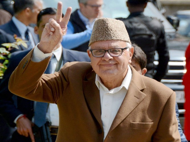 After winning by-poll, Abdullah calls for imposition of Guv's rule in J&K