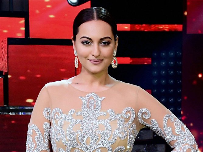 People do try to suppress opinionated people: Sonakshi