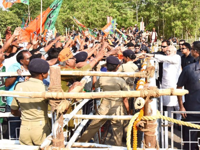 PM gets rousing welcome during his roadshow