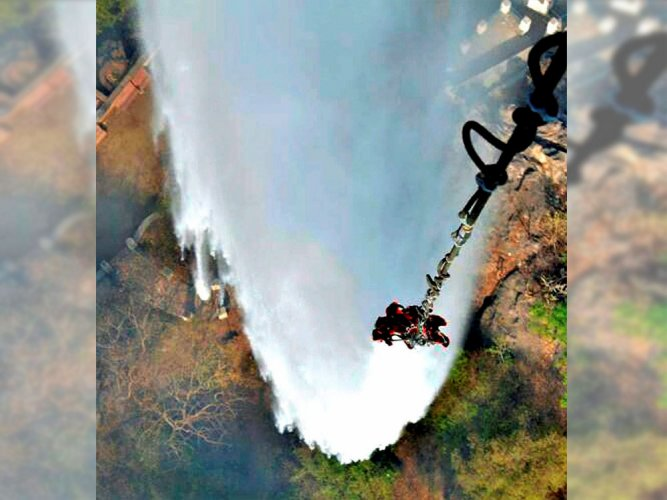 IAF copters poured 1.82 thousand ltr water to restrict Mt Abu fire