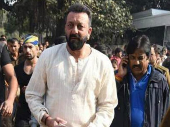 Bailable warrant issued against Sanjay Dutt