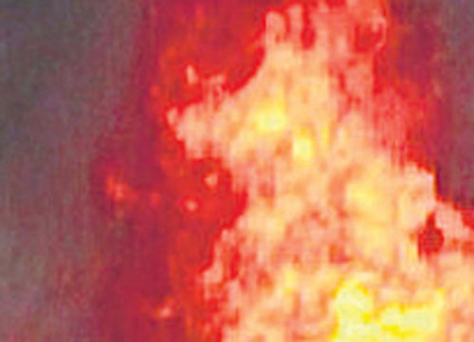 Reports: Tibetan monk sets himself on fire in western China