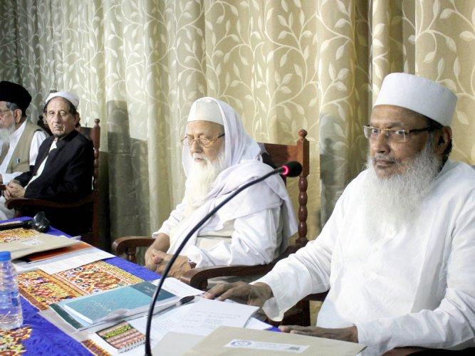 Shia board for anti-triple talaq law like one against sati