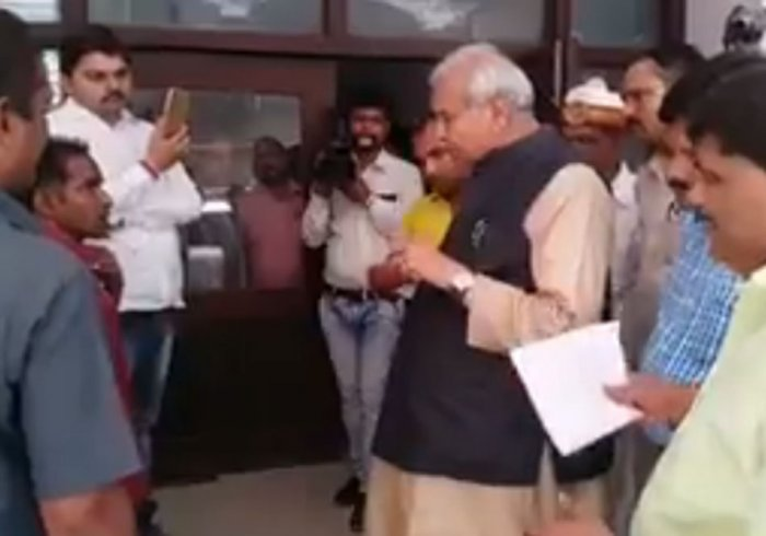 UP minister insults 'divyang' staff, video goes viral