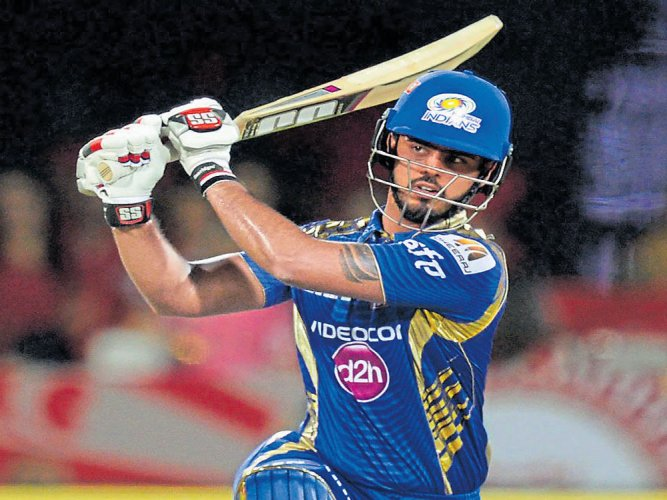Formidable Mumbai start favourites against Delhi