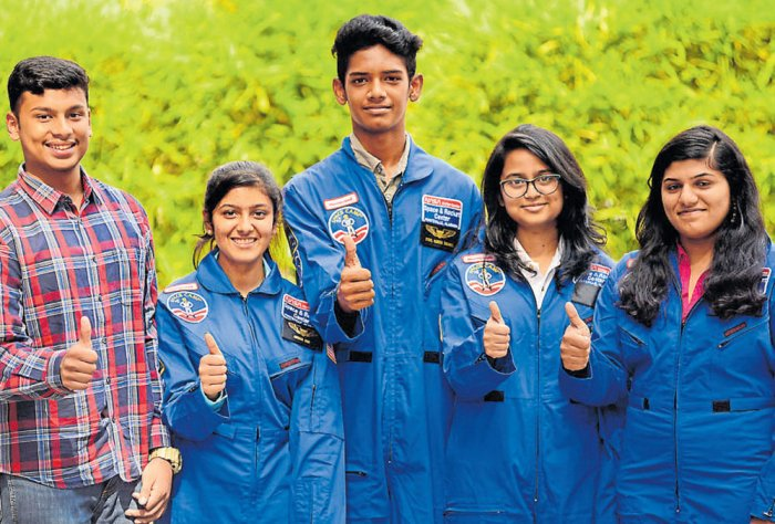 Students share their experiences at US space centre