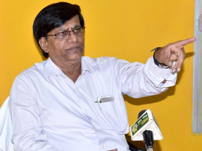 Let Modi die if he wants power, says Rayareddy