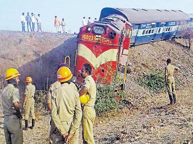 2 injured as train derails near Bhalki