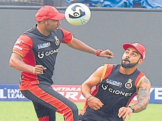Challengers look to scalp confident Kolkata