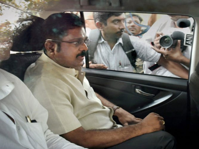 Dhinakaran appears for questioning in EC official bribery case