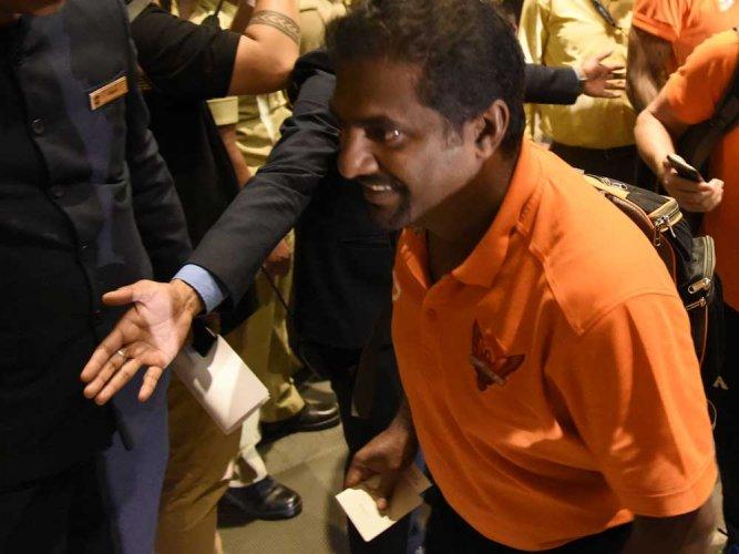Bhuvneshwar is the best bowler in IPL: Murali