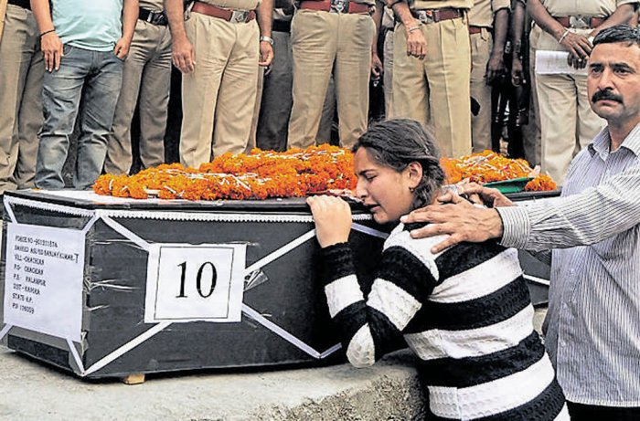 Quick lunch proved costly for CRPF men