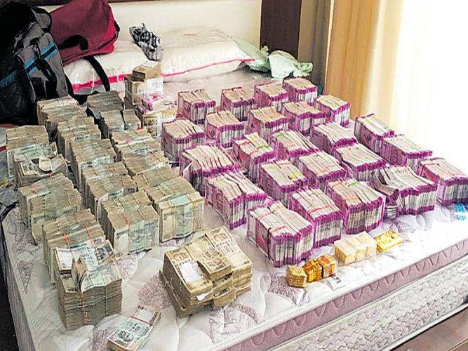 I-T dept unearths Rs 110 cr black money; 2 CAs under scanner