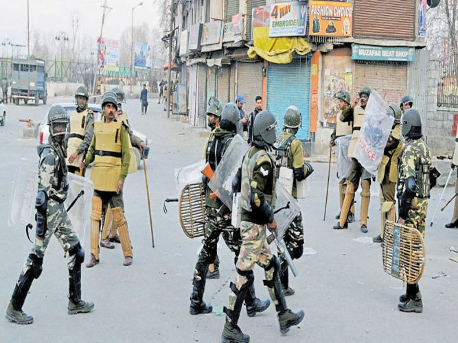 Militants' bid to rob bank foiled in Kashmir