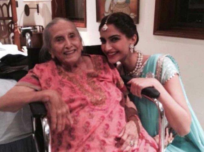 Sonam Kapoor mourns her maternal grandmother's demise