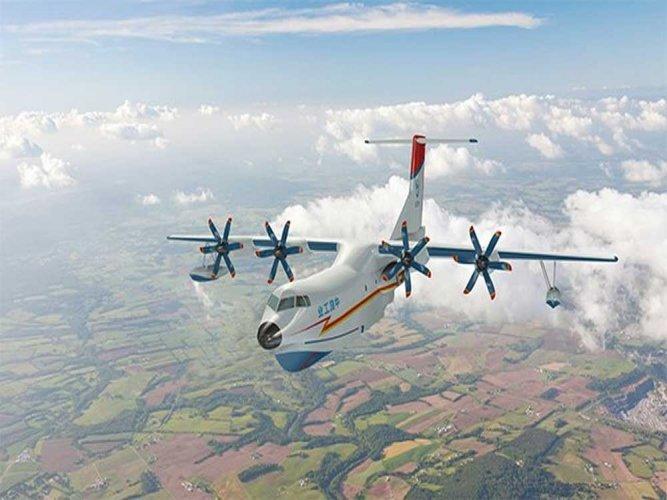 China-made larget amphibious aircraft finishes 1st glide test