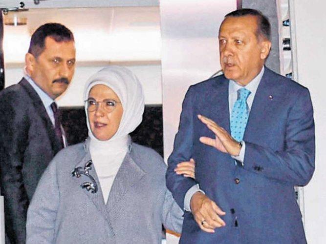 Erdogan for multilateral dialogue on Kashmir