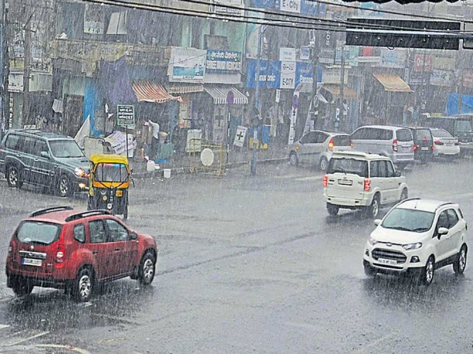 Rain hits several districts; eight killed in lightning