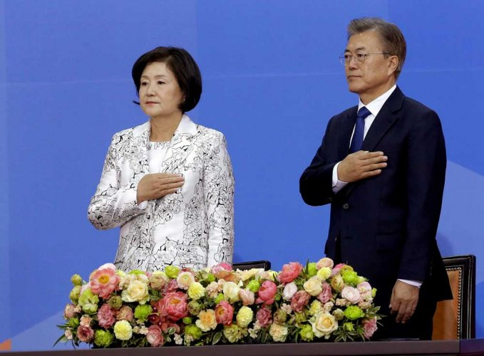 South Korea's leader willing to visit North, talk to US, China