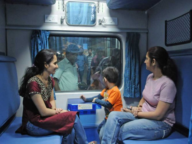 Rajdhani passengers complain about food not served on train