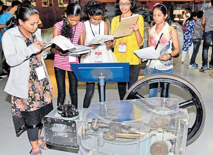Museum Day: exhibits and events amuse, amaze visitors to museums
