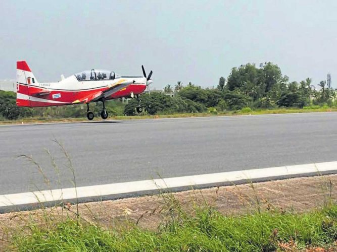 HTT-40 second prototype completes maiden flight