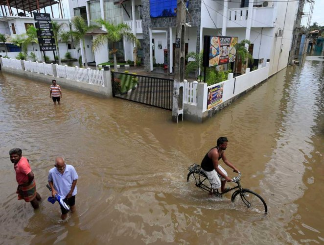 SL floods: Indian Navy teams deployed; death toll rises to 177