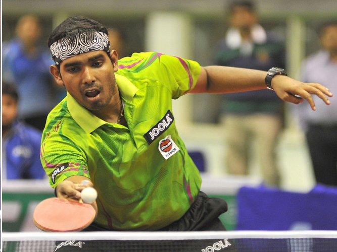 Sharath, Manika keeping Indian hopes alive