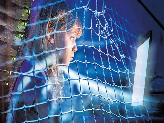 Internet addicts experience 'withdrawal symptoms' when offline