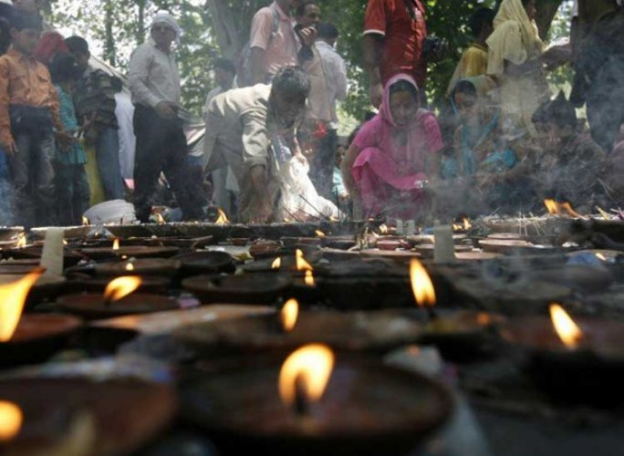 Muslims in Kashmir gear up to welcome Pandits at Ragnya Devi temple
