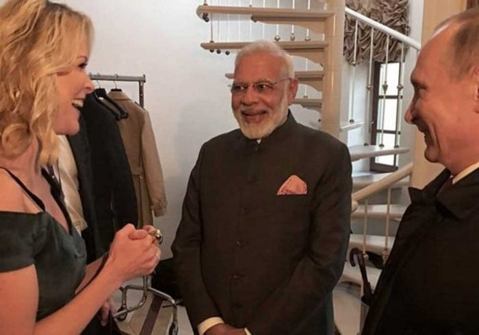 Are you on Twitter? US Journalist asks Modi, gets trolled on social media