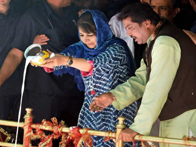 Kheer Bhawani festival sees lowest turnout of Pandits in recent years