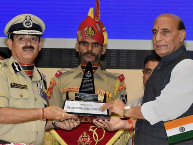 Be in uniform when greeting, meeting HM: MHA to forces