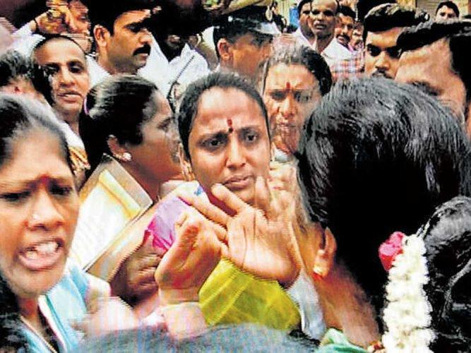 BJPpetitions guv against MLA Munirathna
