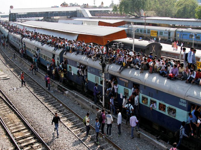 Railways asked to pay Rs 75K to passenger whose seat was occupied by others