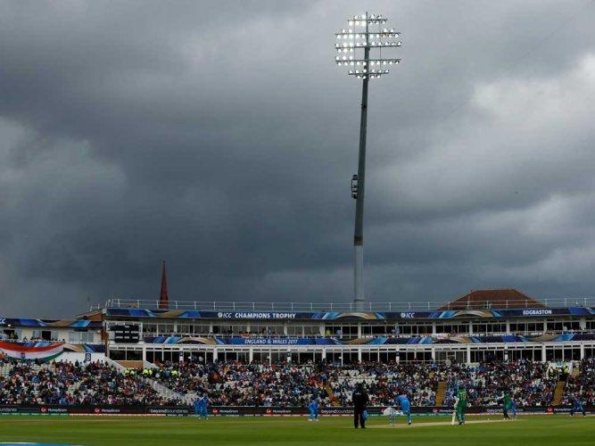 Rain halts India-Pak match for third time