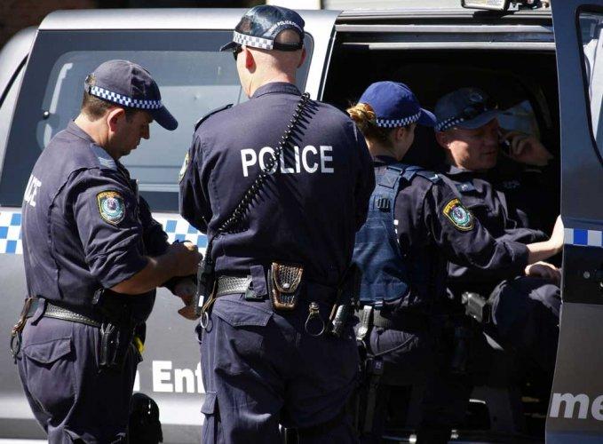 Police kills hostage-taker in Australia; rescues woman