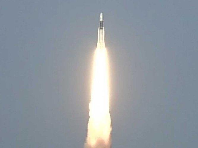 Nation proud of ISRO's feat: Prez on heaviest rocket launch