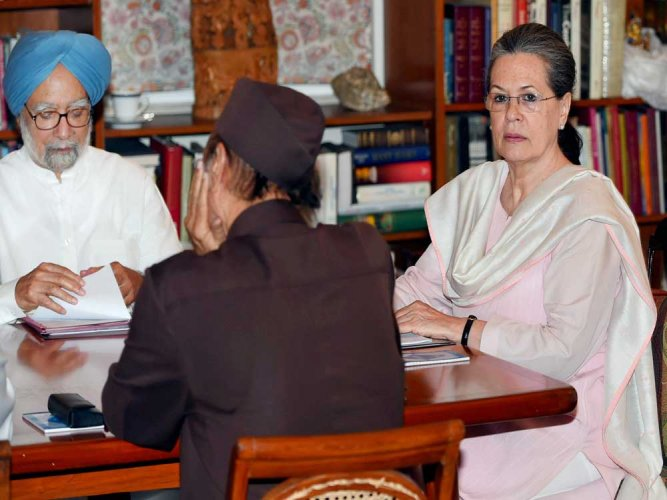 Growth has slowed down due to demonetisation: Manmohan Singh