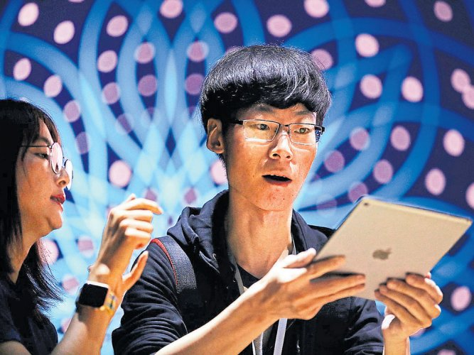 Apple users shy away from innovations