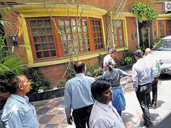 Media houses irked at raids on NDTV promoters