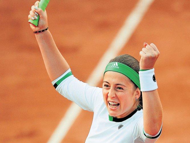 Wozniacki, Mladenovic exit
