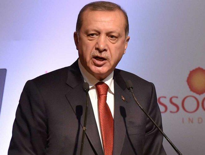 Erdogan criticises Qatar sanction, wants stronger ties